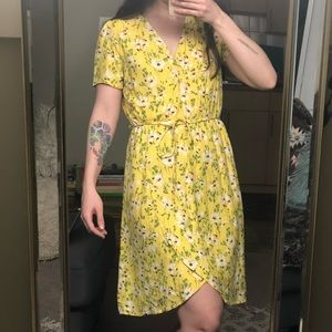 ❤️3 for 90❤️ Vero Moda yellow floral wrap dress